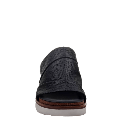 Womens wedge earthshine in black front view