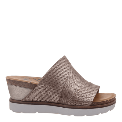Womens wedge earthshine in light gold side view