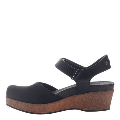 Womens wedge elizabeth in black inside view