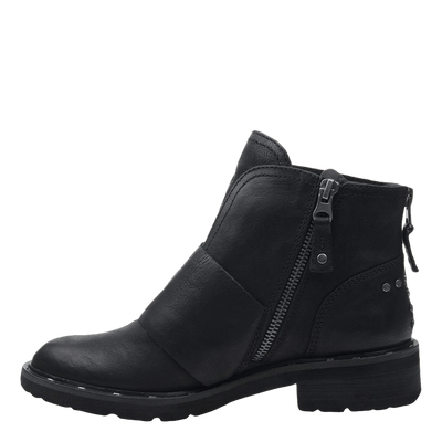 Womens frontage boot black inside view