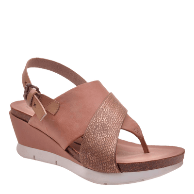 Womens wedge in focus warm pink