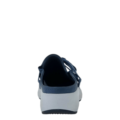 Womens sneaker marriet in new blue back view