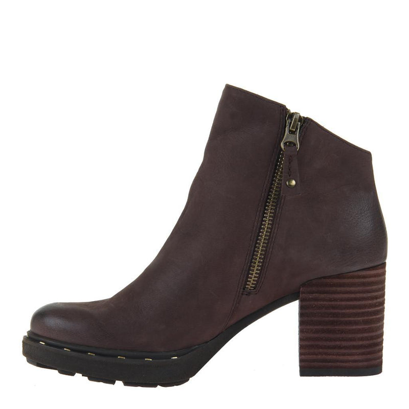 MONTANA in DARK BROWN