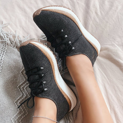COURIER in CHARCOAL Sneakers