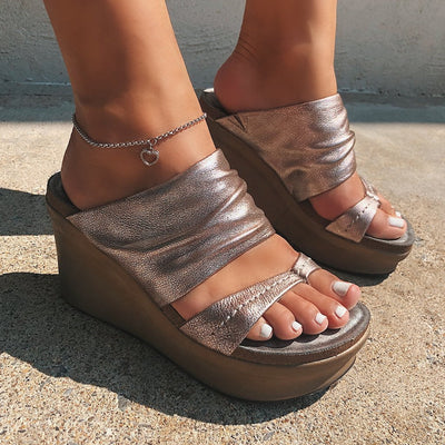 TAILGATE in SILVER Sandals