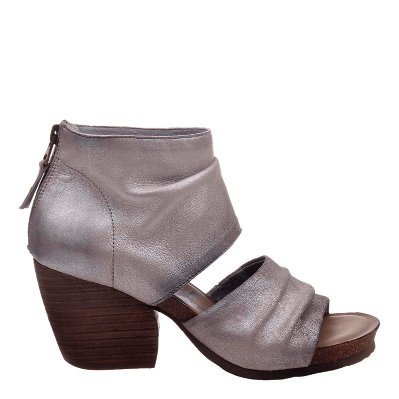 Womens heeled sandal patchouli in bright silver