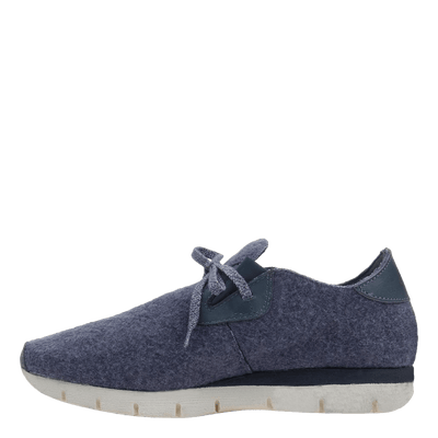 Womens sneaker radius in blue marine inside