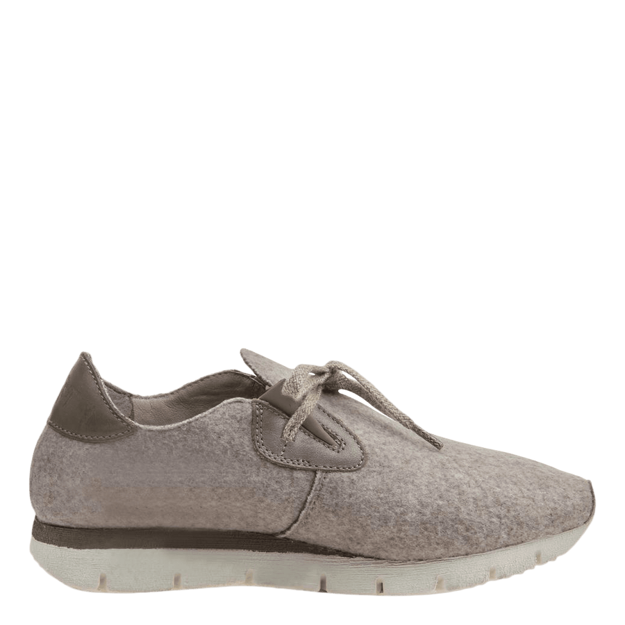 Womens wool sneaker radius in pecan