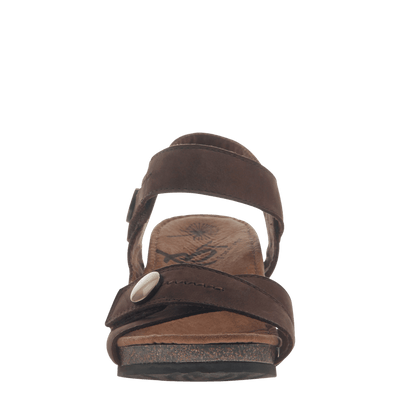 Womens wedge sandal Sandey in Coffeebean front view