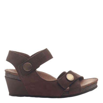 Womens wedge sandal Sandey in Coffeebean side view