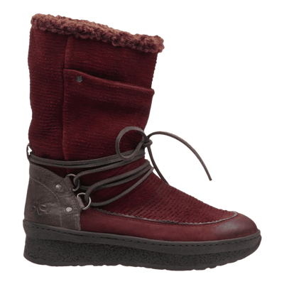 Womens cold weather boot slope in copper side view