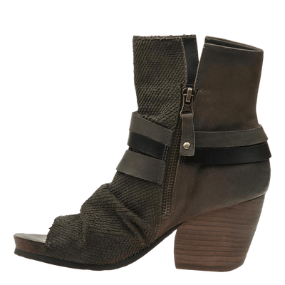 Womens black ankle boot sojourn mint inside