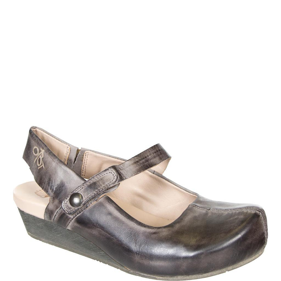 SPRINGFIELD in CHARCOAL Closed Toe Wedges