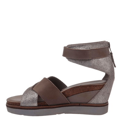 Womens wedge teamwork in grey silver inside view