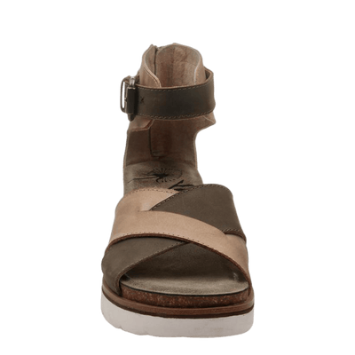 Womens wedge teamwork in pecan front view