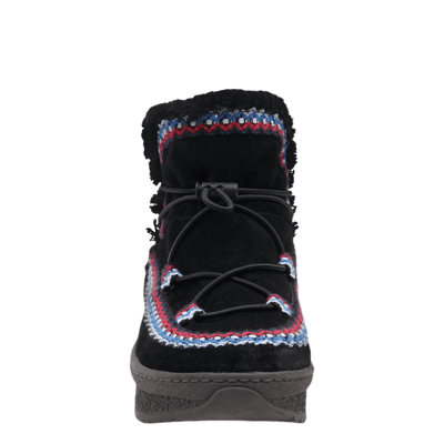 Womens cold weather boot Terreno in black front view