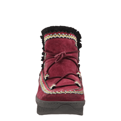Womens cold weather boot Terreno in cherry front view