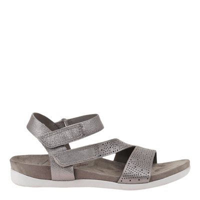 OTBT flat sandal Theodora in dark silver side view