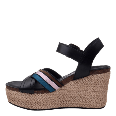 Womens wedge topsail new black inside
