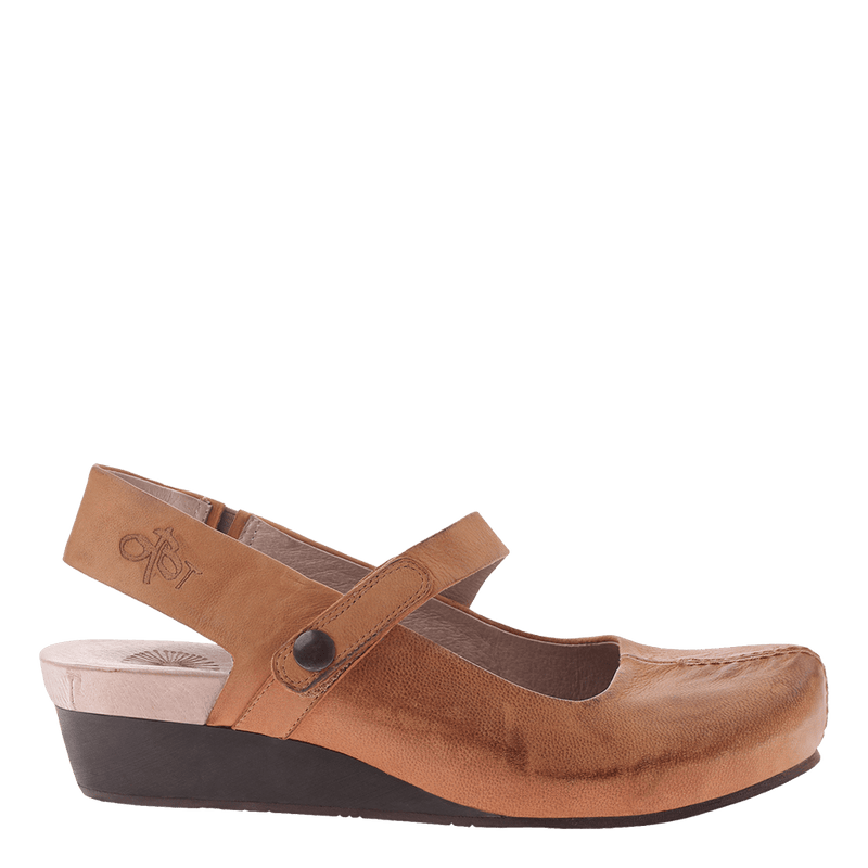 Womens closed toe wedge Springfield in cashew
