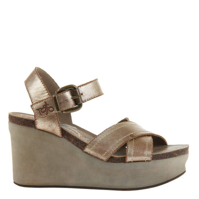 Bee Cave Womens Wedge in Gold right view