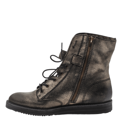 Women's leather combat boot Brentsville in gold inside view
