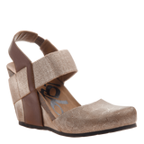 REXBURG in CHESTNUT GOLD Closed Toe Wedges
