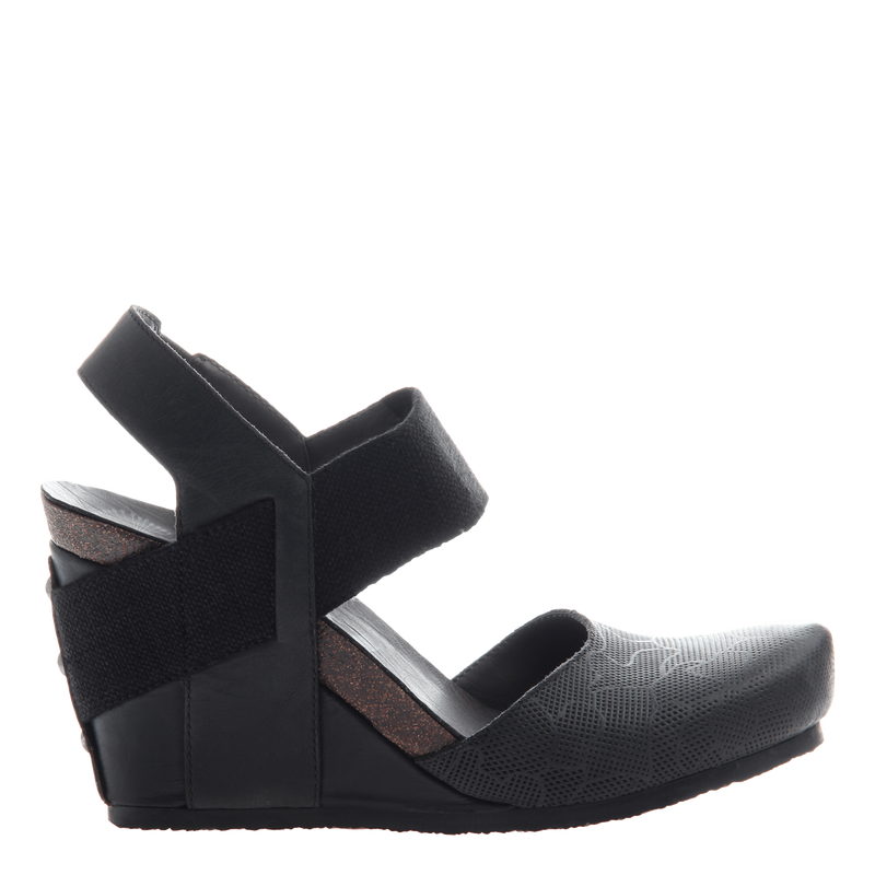 Rexburg women's wedge in new black
