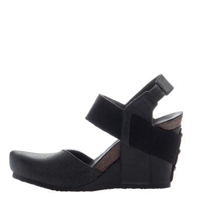 Rexburg women's wedge in new black inside view