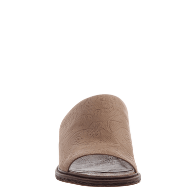 Women's flat slide drifter in elmwood front view