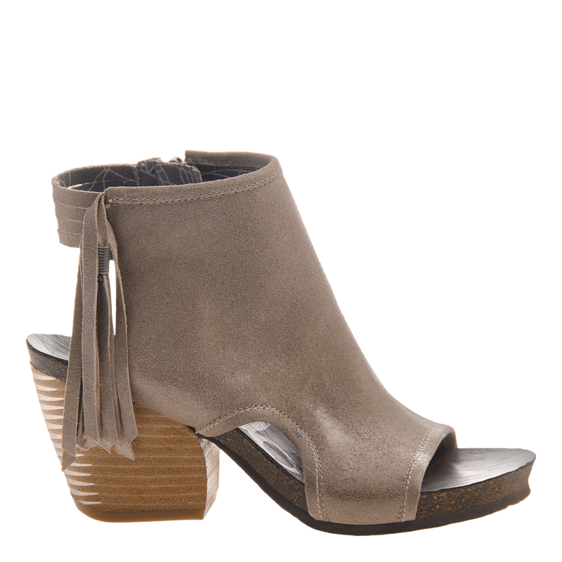 Free Spirit heeled open toe sandal in stone