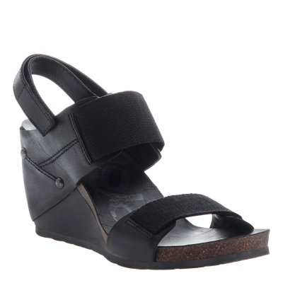 Trailblazer women's black wedge