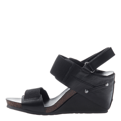 Trailblazer women's black wedge  inside view