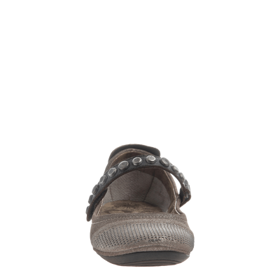 Protestor women's flat in Grey Silver front view