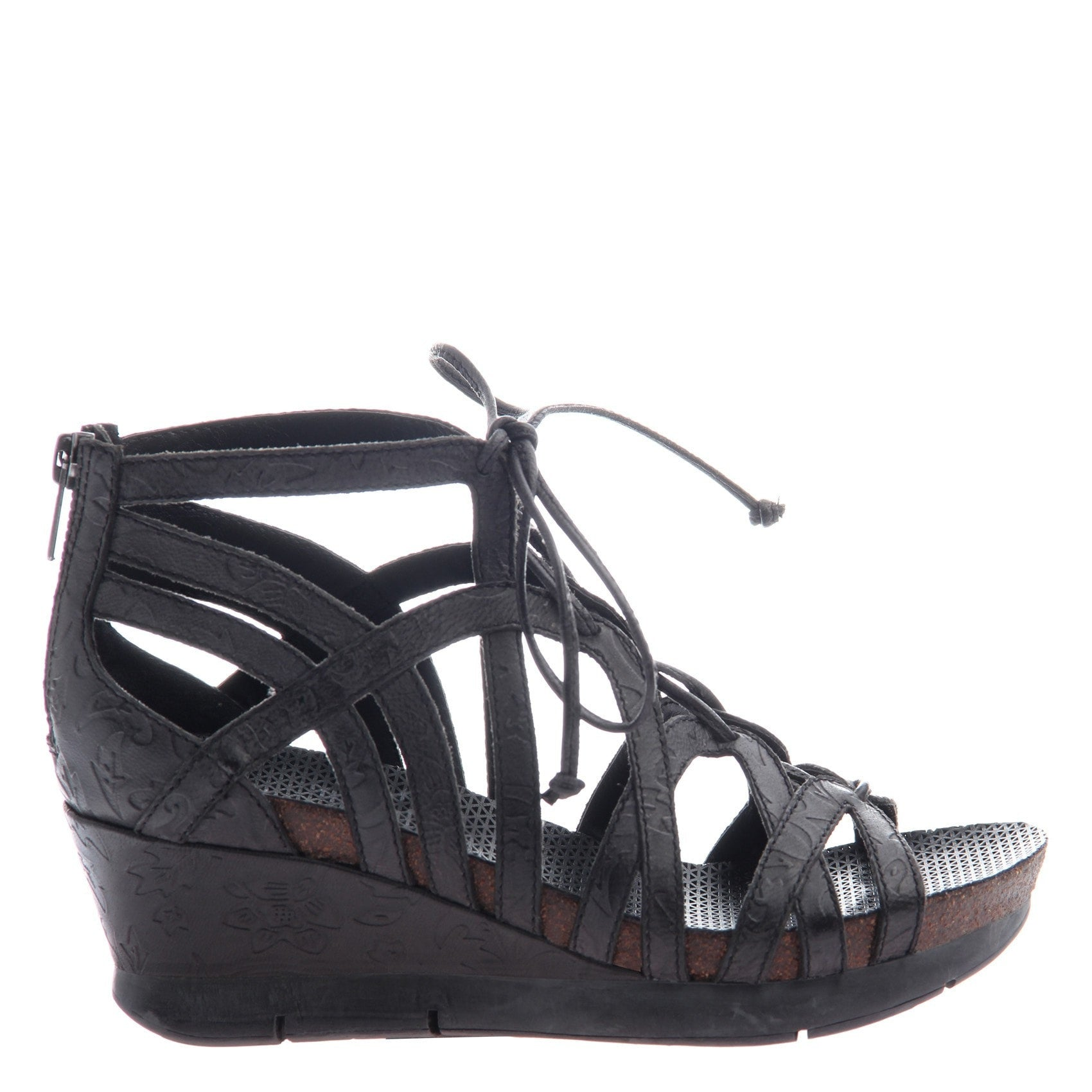7e90e419164 Nomadic women s wedge in black side view