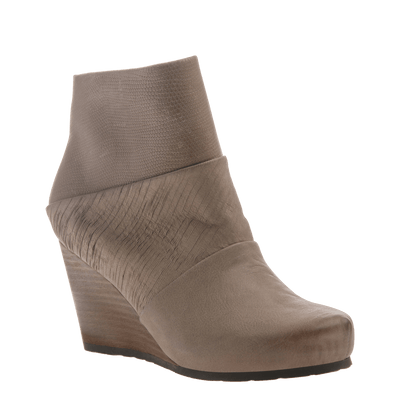 Dharma women's ankle boot in pecan