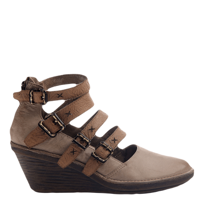 BIKER in PECAN Closed Toe Wedges
