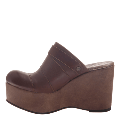 Womens platform wedge Journey in Acorn inside view