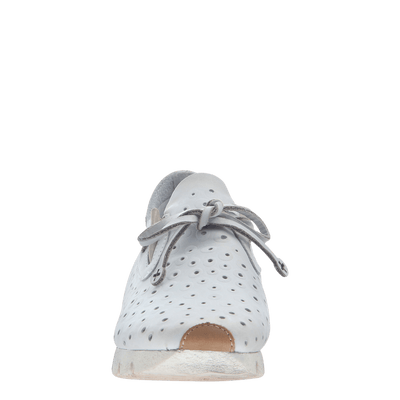 Womens sneaker lunar in dove grey front view