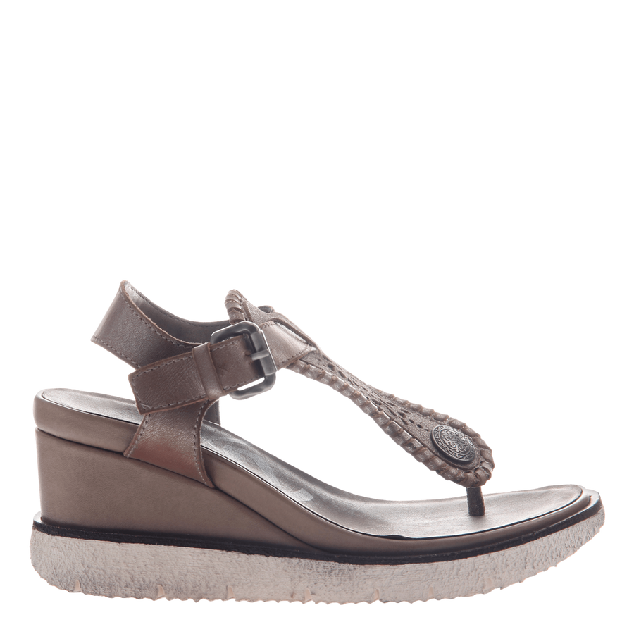 Excursion wedge in Grey Silver