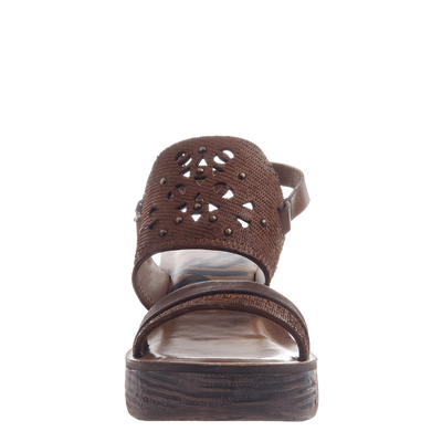Hippie wedge in Oak front view