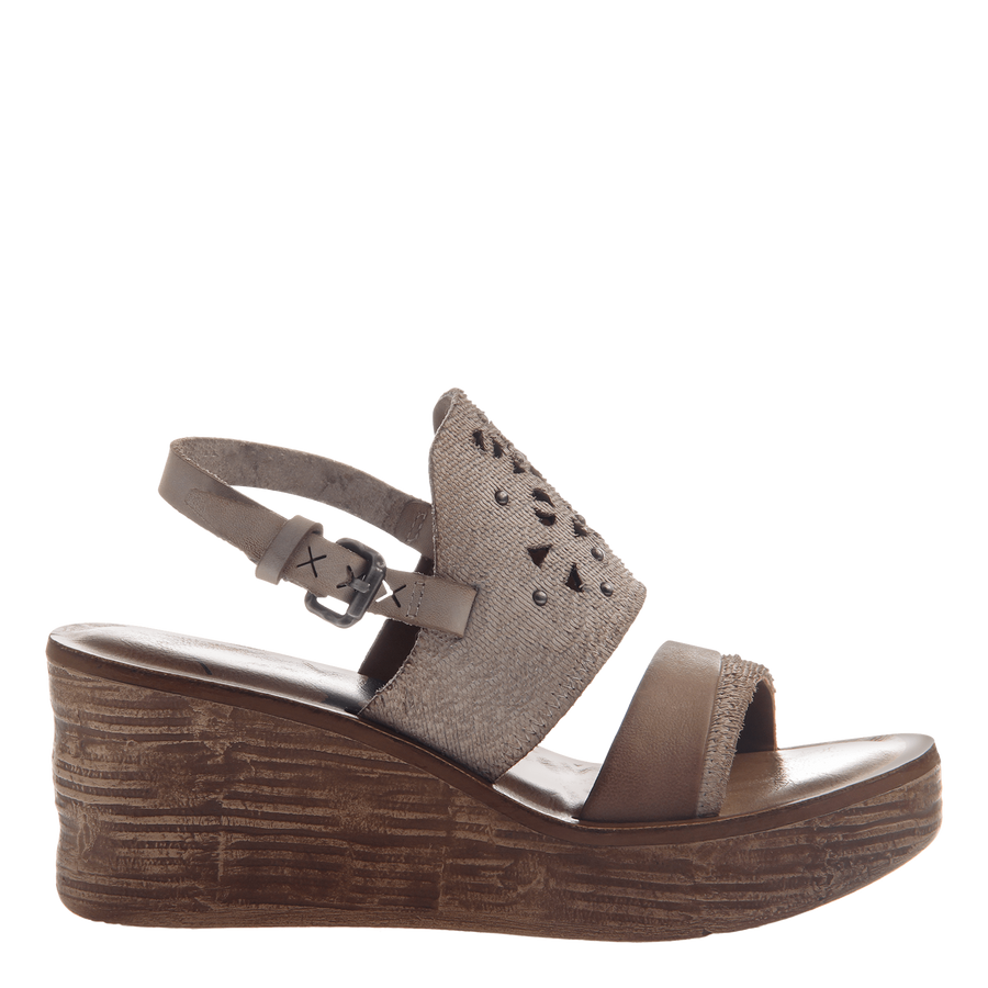 Hippie wedge in Sport White