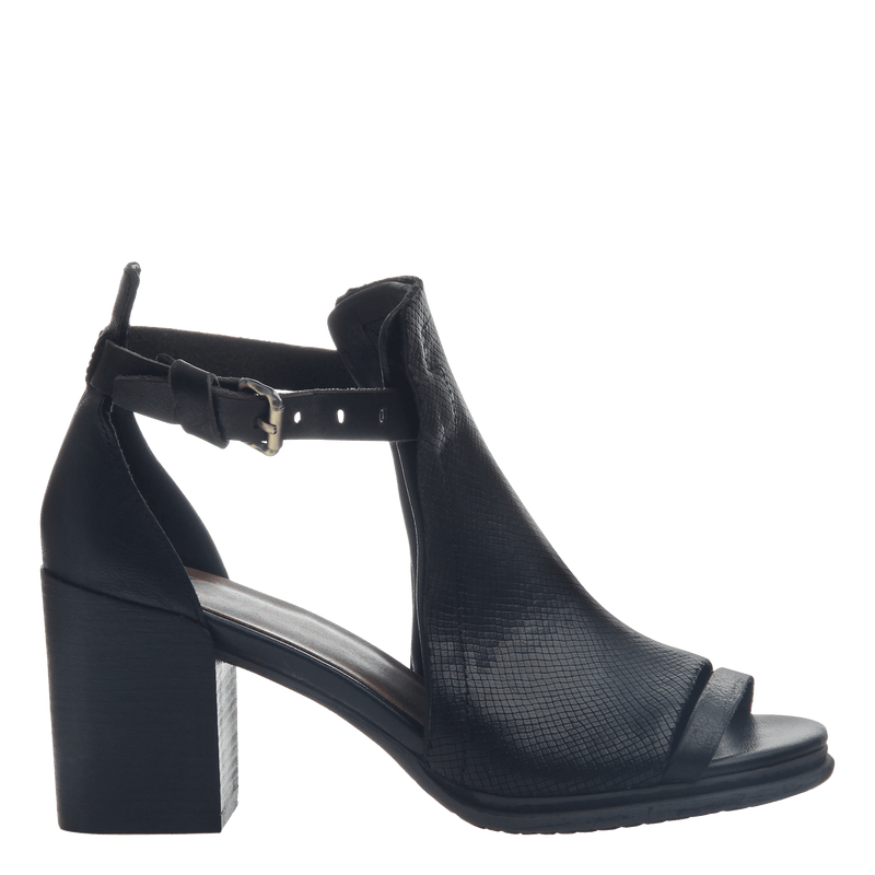 Metaphor women's heel in black