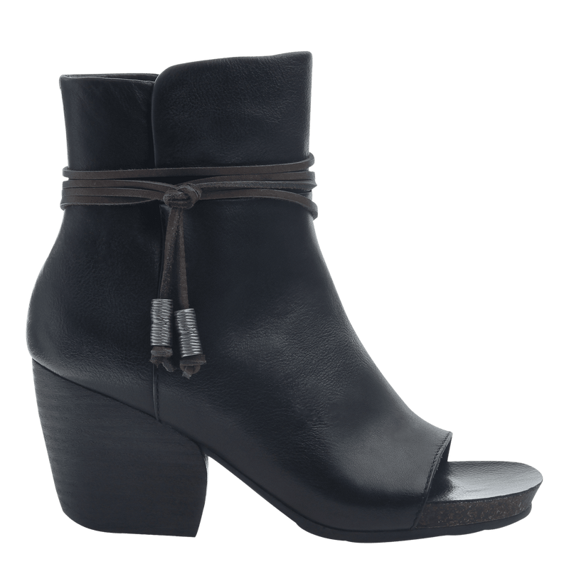 Women open toe ankle boot vagabond in black