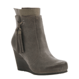 VAGARY in DUST GREY Ankle Boots