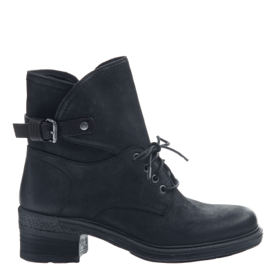 Gallivant women's boot in black outside view