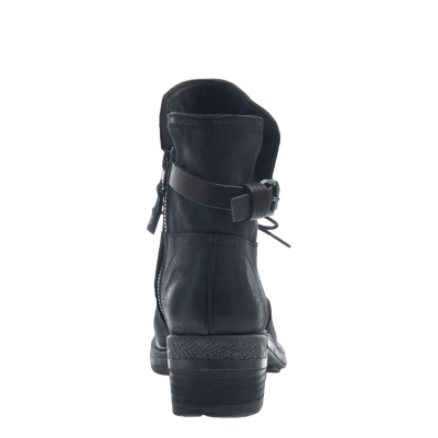 Gallivant women's boot in black back view
