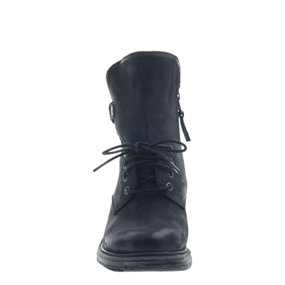 Gallivant women's boot in black front view