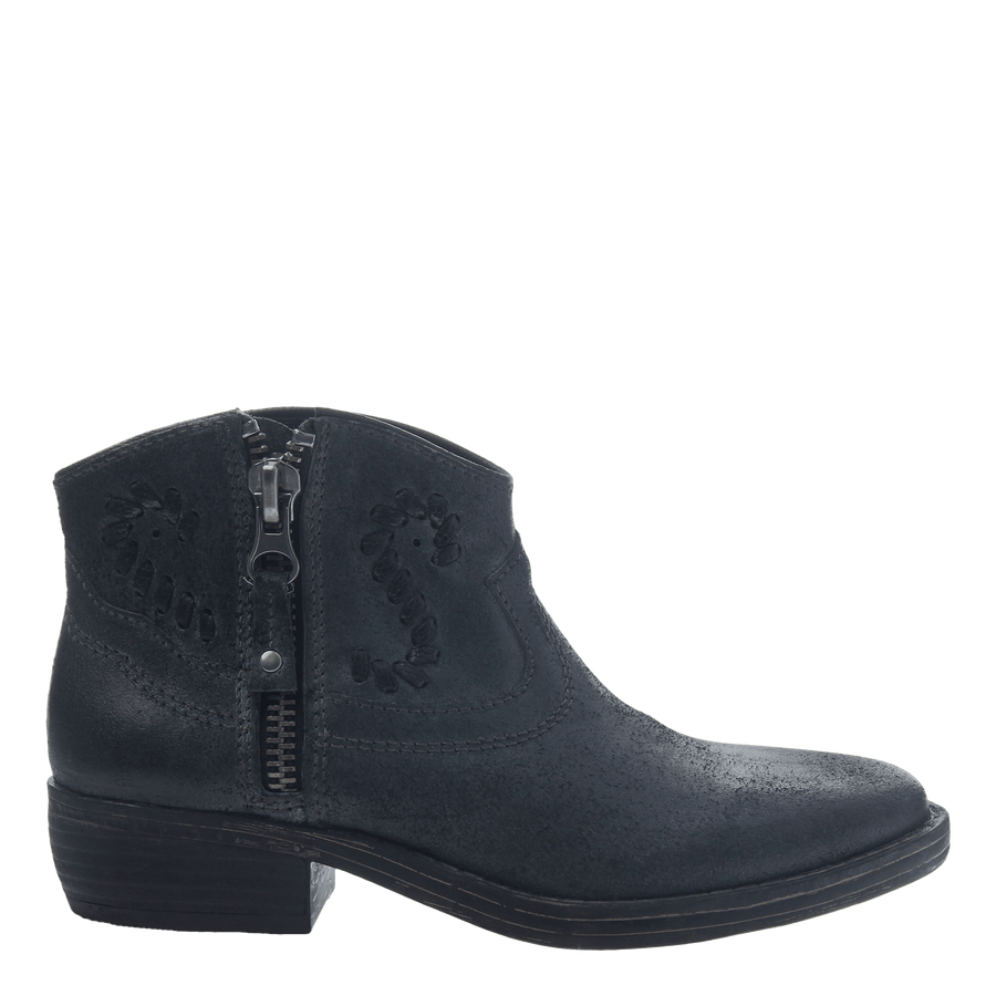 Women's western bootie the trek in black