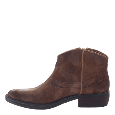 Women's western ankle bootie the Trek in Tobacco inside view